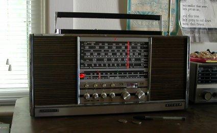 grundig stereo concert-boy transistor 4000 radio
