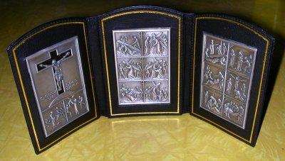 via crucis triptych